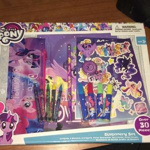 New 'My Little Pony' stationary set
